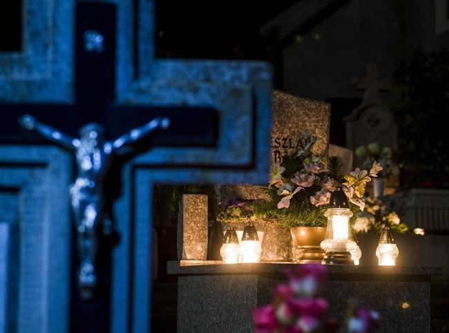 November 1-je mindenszentek ünnepe, november 2-a a halottak napja a  keresztény világban - Best Of Cafe