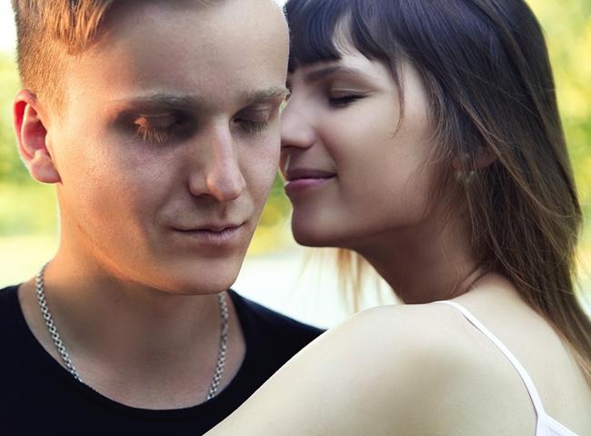 23 éves randevú 18 éves